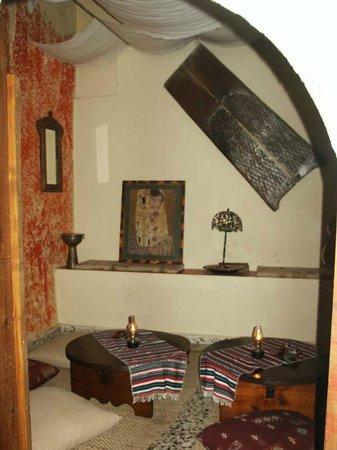 Vinnies' Garden: Back Room