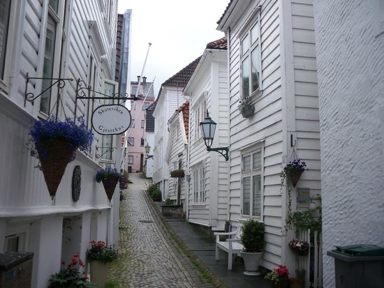 Skuteviken Guesthouse: The guest house is on a very pretty cobbled street 10 mins walk from the centre of Bergen.