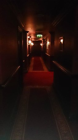 Coombe Abbey Hotel: Corridor to rooms