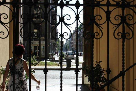 Atena Hotel: Выходя из отеля