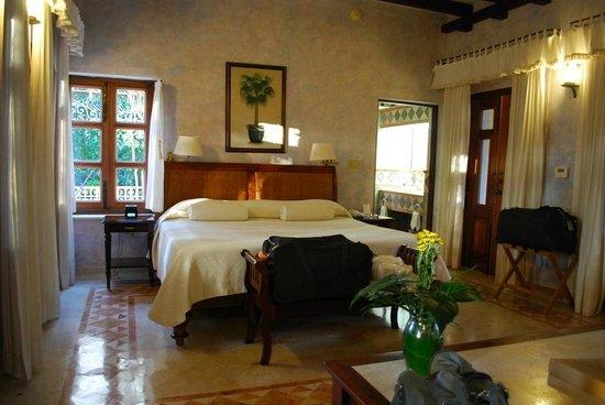 Hacienda Xcanatun: Deluxe Suite