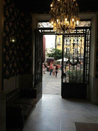 Praktik Metropol: Eingang ins Gebäude