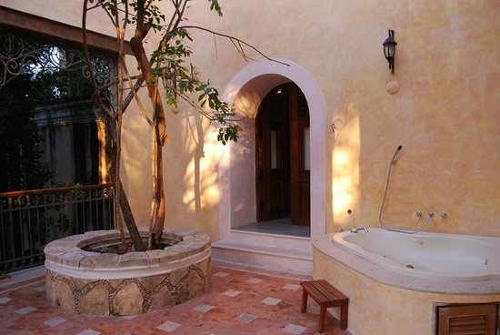 Hacienda Xcanatun: Balcony