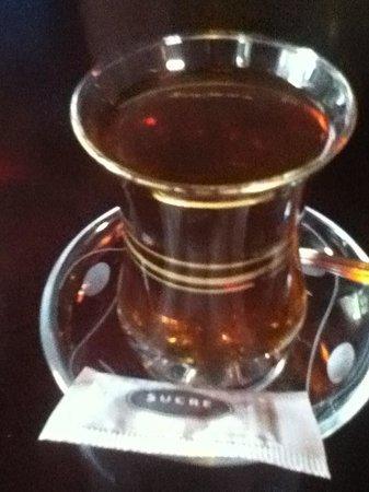 Troy Restaurant: Turkish Tea