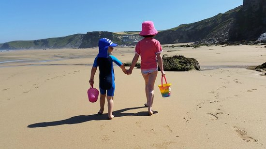 Sands Resort Hotel & Spa: The nearby (5 mins in car) Watergate Bay beach