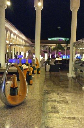 Gran Meliá Palacio de Isora Resort & Spa: Champagne Bar