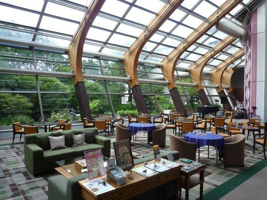 Hotel Ambient Izukogen Honkan : 本館のロビー