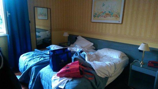 Grand Hotel Panoramic: La chambre...ça manque de prises de courants! Mais la vue est belle!