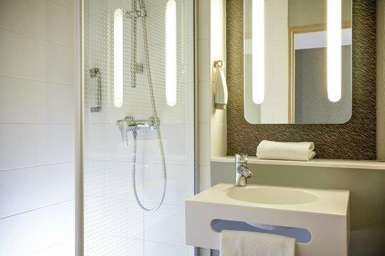 Ibis Paris Gennevilliers: salle de bain
