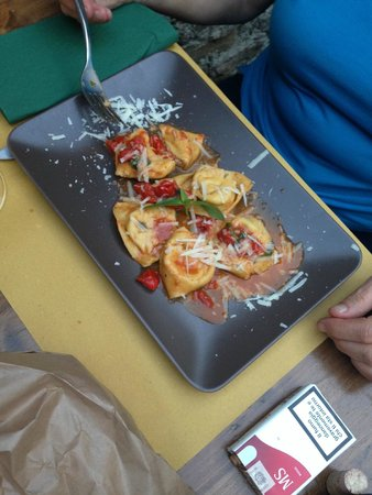 Alla Corte di Bacco: Hausgemachte Tortellini