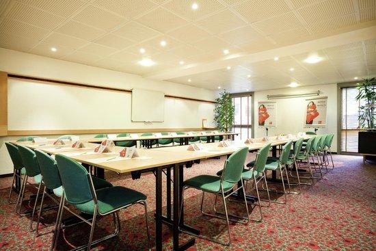 Ibis Paris Gennevilliers: salle de réunion