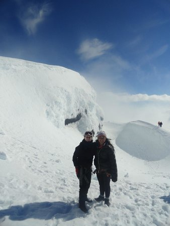 Reykholt, Island: My friend Anne and I at the top of Eyjafjallajökull!