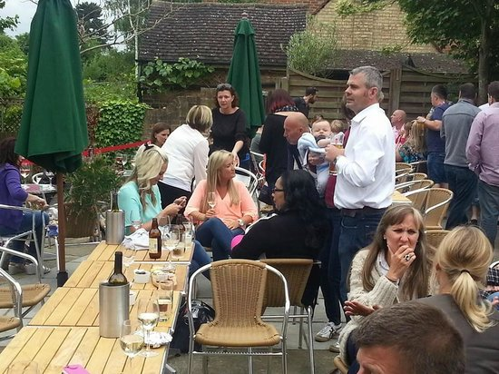 The Hengist Village Bar & Dining Rooms: All in..!