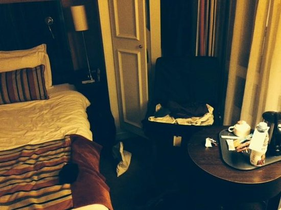Mercure Paris Terminus Nord : tiny room
