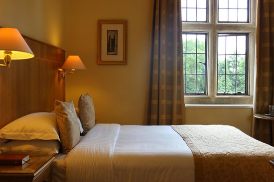Savill Court Hotel & Spa: Stabdard Double
