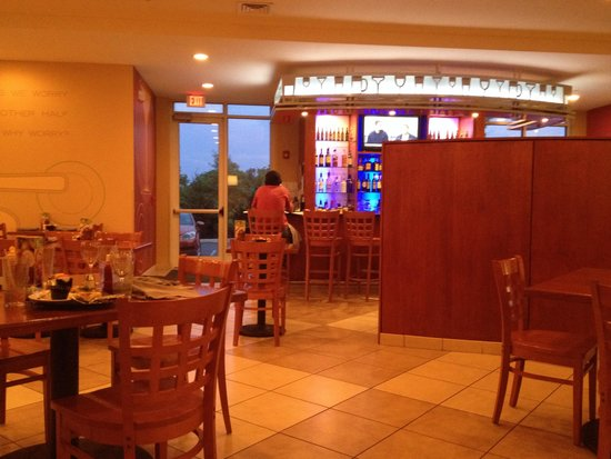 Holiday Inn Winchester Southeast-Historic Gateway: Restaurant/bar