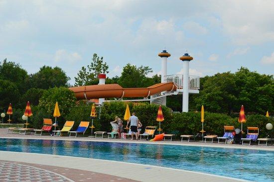 Centro Vacanze Pra delle Torri: one of the water slides in pool area.