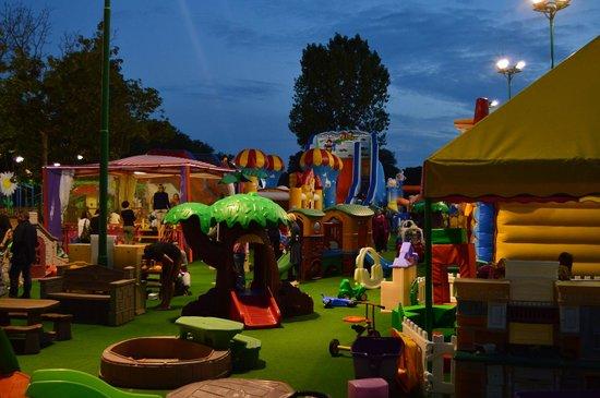 Centro Vacanze Pra delle Torri: kids play area