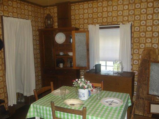 Elvis Presley Birthplace U0026 Museum: Inside House