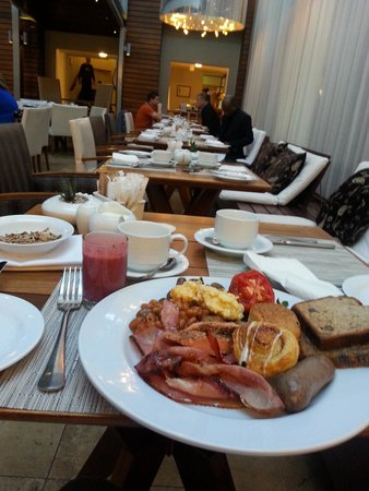 Vineyard Hotel : Breakfast
