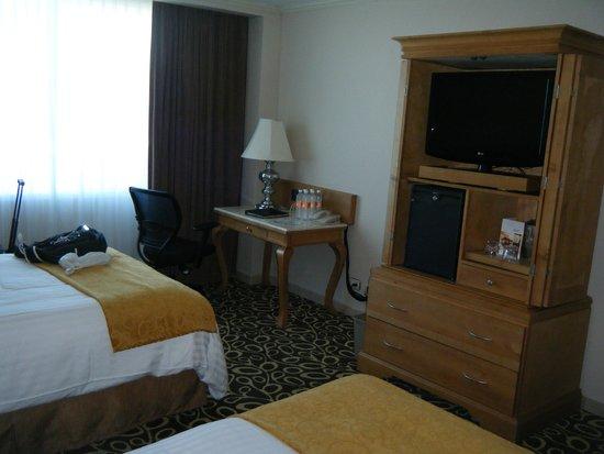 Tijuana Marriott Hotel: View 2 of Room