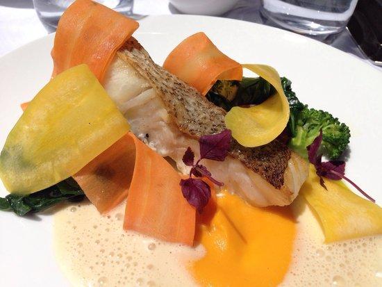 Au Bon Accueil : Excelente presentación del pescado....