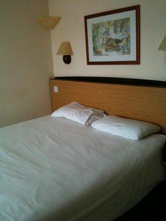 Campanile Wakefield: Bed