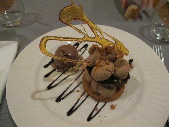 The Pope's farm Hostellerie : délicieux dessert au Gianduja