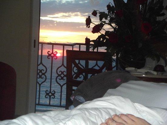 Hyatt Zilara Cancun : Beautiful sunset from room