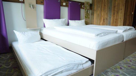 Explorer Hotel Neuschwanstein: gemütliches Dreibettzimmer