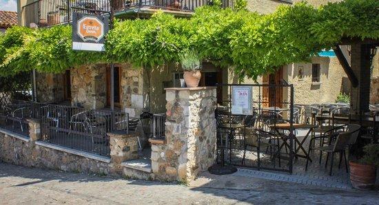 Bar Restaurant Juia: Porta d'entrada del restaurant