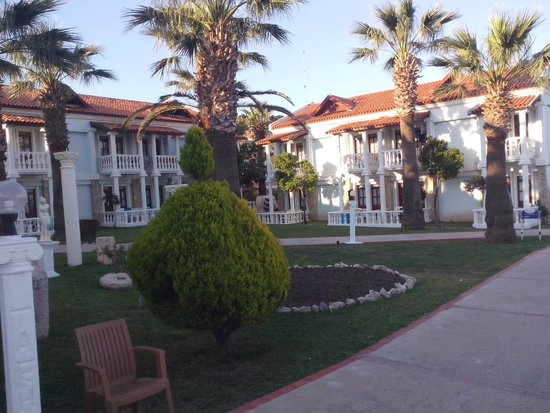 Club Tarhan Beach Hotel : The hotel