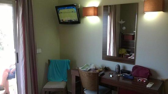 Hotel Noguera: TV