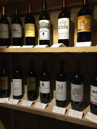 L'Hotel Particulier : wine selection opposite to the hotel reception