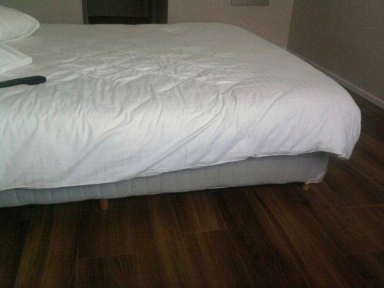 Royal Astrid Hotel : Notre lit !