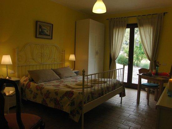 B&B Locanda degli Etruschi: camera matrimoniale