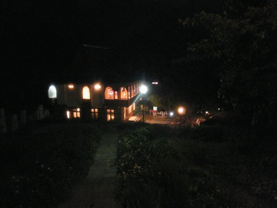 Hotel Kinner Kailash (HPTDC) : The Dining Hall