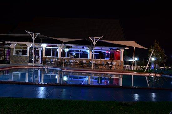 Nyeri, Kenia: night