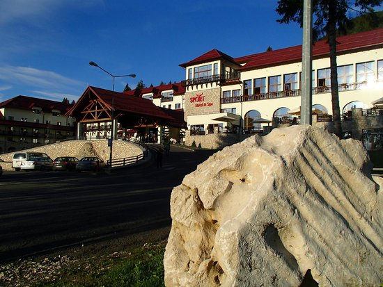 Ana Hotels Sport Poiana Brasov: main entrance