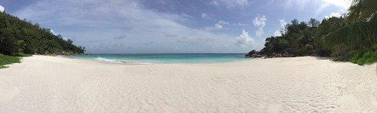 Constance Lemuria : beach behind the golf course