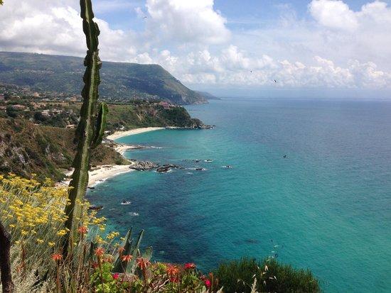 L'Arcobaleno Resort: Strandaufsicht vom Capo Vaticano