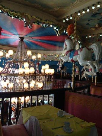 La Rotonde: Inside the restaurant