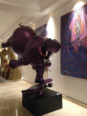 Sofitel Marrakech Palais Imperial : Les oeuvres d'art un peu décalées mais j'adore!