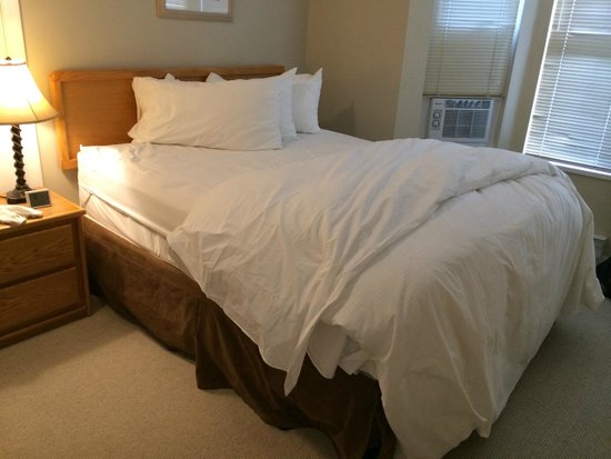 Times Square Suites Hotel : Bedroom