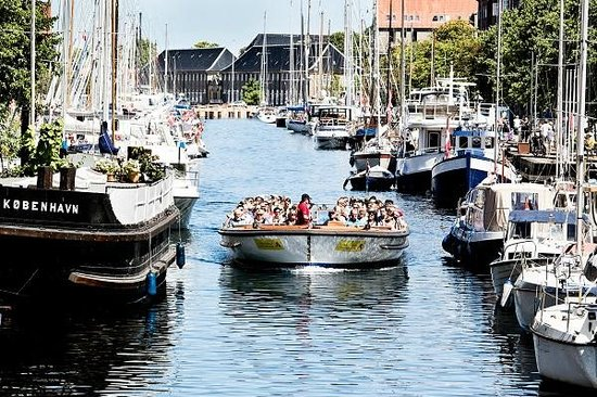 Stromma Canal Tours Copenhagen : A cosy tour in the canals of Copenhagen