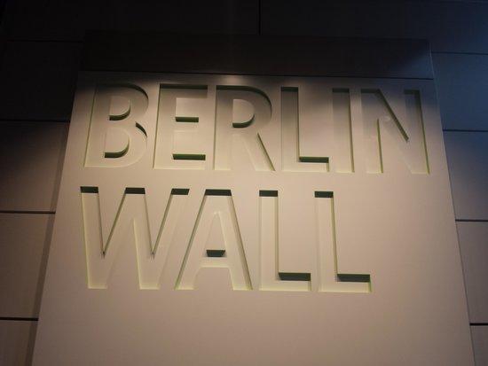 Newseum : Berlin Wall