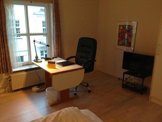 Best Western Palads Hotel: Good working desk!