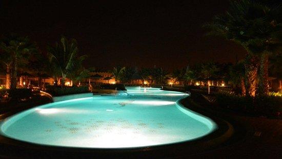 Hotel Riu Palace Cabo Verde : Pool at night