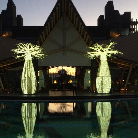 Lopesan Baobab Resort : At night
