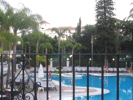 H10 Andalucia Plaza : pool view